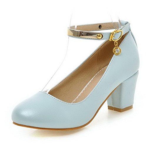AllhqFashion Damen Weiches Material Rund Zehe Mittler Absatz Schnalle Rein Pumps Schuhe Blau