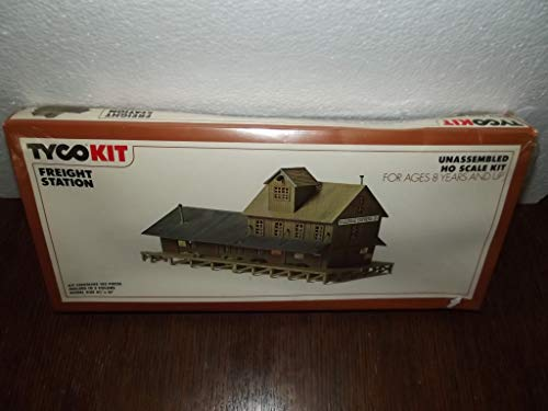 Tyco Kit Freight Station No.7785 HO Scale - 105 Pieces - New Old Stock