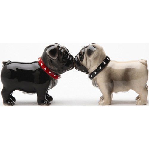 salt and pepper shakers kissing - 7