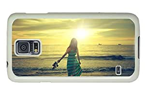 Hipster Samsung Galaxy S5 Case carrying Walk on Beach PC White for Samsung S5