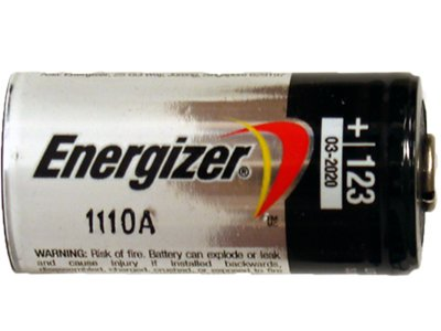 CR123A 3 Volt Photo Lithium Batteries ideal for L.E.D flashlights ()