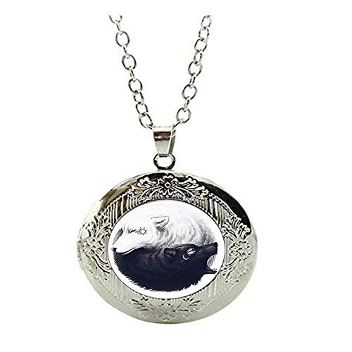 Ying Yang Locket Necklace Black and White Wolf Locket Necklace Sun and Moon Fashion Jewelry Tai Chi Animal Jewellery