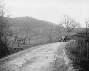 (early 1900s photo Ford Motor Co., Lincoln in Shenandoah Nat. Park, Virginia V f7)