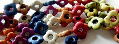 - Magnesite Multi-colored Small Open Flowers 14mm (12)