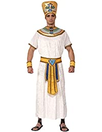 What to Wear in Egypt. The Karnak Temple Complex, Luxor, in January. At the Pyramids, February. Early morning desert ride in February. Clothing Tips for Men. If you're looking for versatile and stylish beachwear, try the Madda Fella range of shirts, shorts, polos and swimwear.
