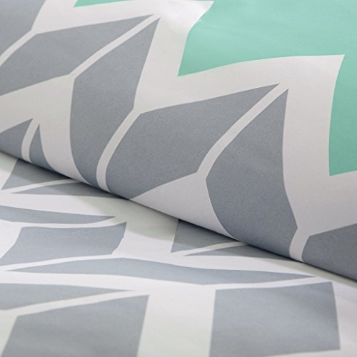 Intelligent design Nadia All Comforter Sets