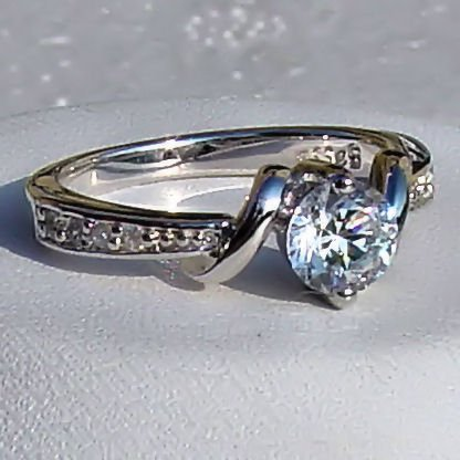 Amazon Com Entwined Love 0 71ct Brilliant Cut Russian Iof Cz