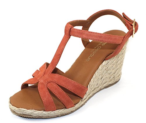 Andre Assous WomenS Madina in rust suede - size 8 M