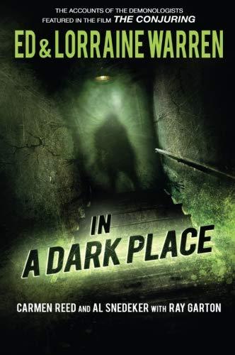Book : In a Dark Place (Ed & Lorraine Warren) - Ed Warren