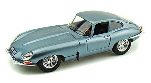 - 1961 Jaguar E-type Coupe, Blue - Bburago 12044 - 1/18 scale Diecast Model Toy Car