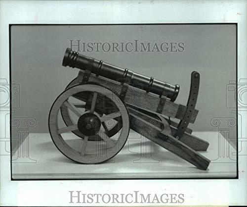 (1987 Press Photo Leonardo da Vinci inspired gun carriage with clinometer)