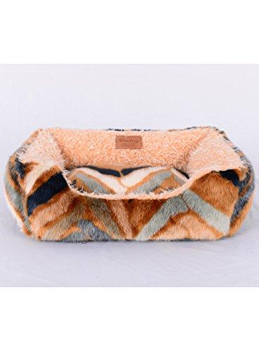 Lindsey Home Fashion Faux Brown, Beige, White Grey, Ivory, Leopard, Geometric, Bear Jacqard, Lamb, Mink Fur Square Pet Bed (Geometric Pattern Square Pet Bed, Medium: 26x22x8 Inch(WxLxH))