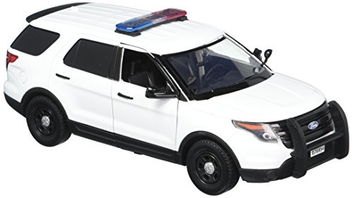 Motormax 1:24 White 2015 Ford Interceptor Unmarked Police Car with Light Bar, White ()