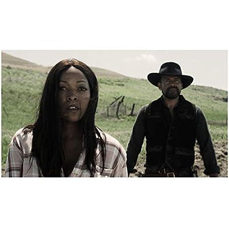 Z Nation Kellita Smith as Warren with Mario Van Peebles as Cooper in