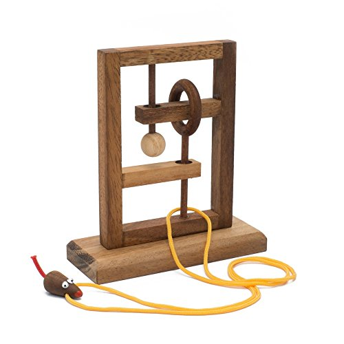 BRAIN GAMES The Rat Trap Wooden Puzzle (Big Clock Necklace)