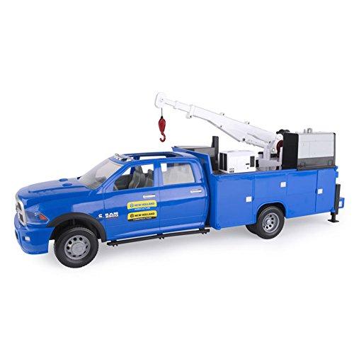 ERTL 1/16th BIG FARM New Holland RAM 3500 Service Truck