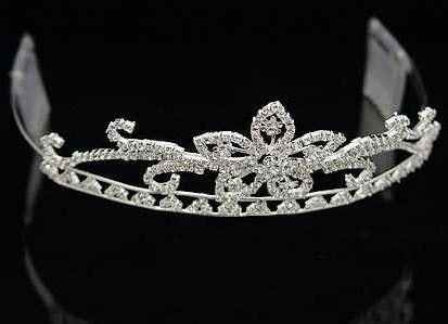 Sheryl Marie Juliet Crystal Crown Silver Tiara for Wedding, Prom, Pageant, Quinceañera or Other Special Events.