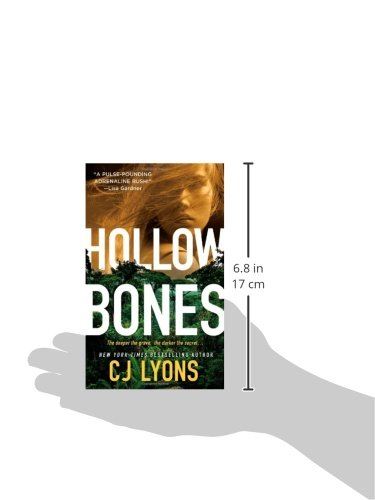 Hollow Bones  (Caitlyn Tierney FBI Thriller, Book 3)