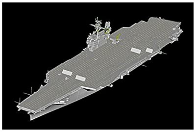 1/700 USS Kitty Hawk CV63 Aircraft Carrier
