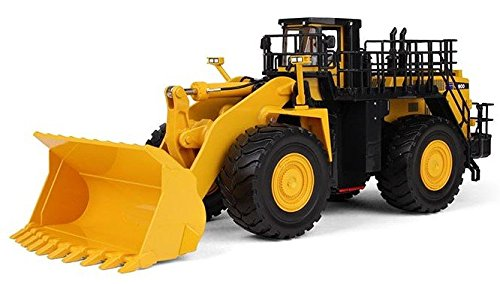 first-gear-1-50-scale-diecast-collectible-komatsu-wa900-3-wheel-loader-50-3301