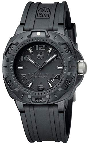 (Luminox Men's 0201 Black Carbon-Reinforced Sentry Watch - Choice of Color (All Black - 0201.BO))