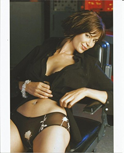 Catherine Bell 8x10 Photo wearing black bra brown panties #2