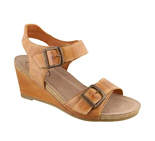 (Taos Footwear Women's Buckle Up Camel Sandal 6-6.5 M)