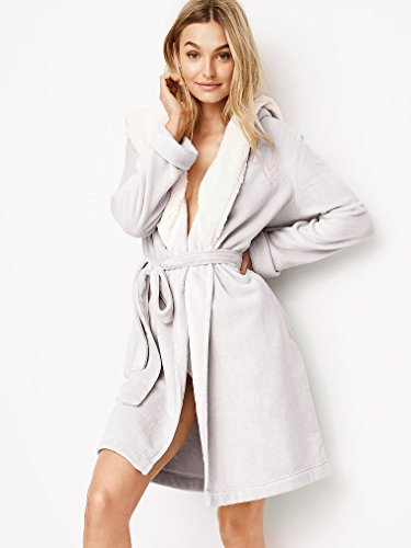 2ca4107ee5 Victoria Secret. Cozy Hooded Short Sherpa Lined Robe So Silver Grey XS S