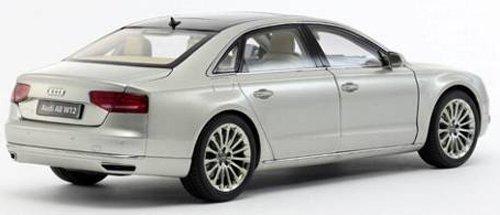 Kyousyo original 1/18 Audi A8 L W12 (Cuvee Silver)
