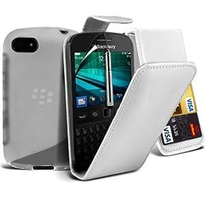 4-IN-1 Super Pack de accesorios Blackberry 9720 superior de la PU 3 Crédito / Débito Slots flip cuero de la caja de la piel cubierta + Protector de pantalla Protector + S Line Wave Gel Case + Retractable Capacative pantalla táctil lápiz óptico (Clear) Por Spyrox