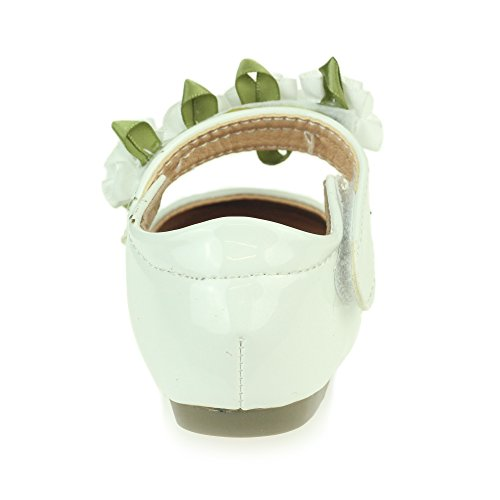 AARZ LONDON Mädchen Kinder Glänzend Obere Blume Detail Klettverschluss Ballett Pumps Sandalen Schuh Größe Weiß