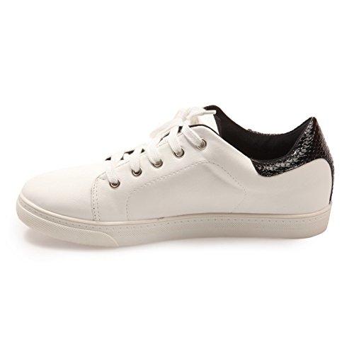 La Modeuse-zapatillas deportivas de piel sintética, diseño de piel de cocodrilo con cierre de lazo, diseño de detalle en La parte trasera Negro - negro