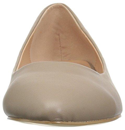 Brinley Co Womens Wilda Ballet Flat Taupe