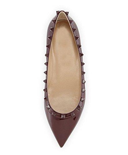 Arc-en-Ciel zapatos de las mujeres del dedo del pie en punta de charol pisos del remache Burgundy