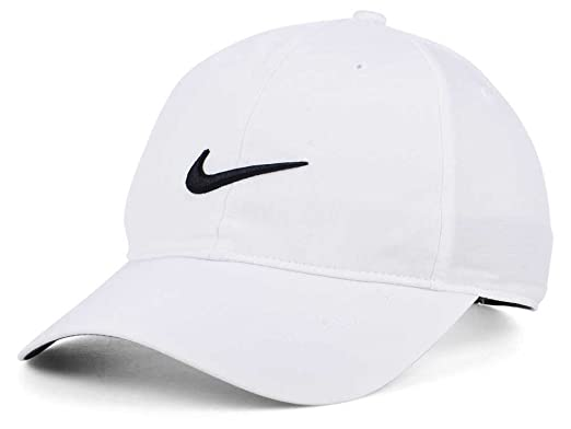 Nike Men s White Cap  Amazon.in  Clothing   Accessories 635124c1715