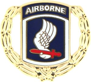 US Army 173rd Airborne Division w/ Wreath Lapel Pin (Division 173rd Airborne)
