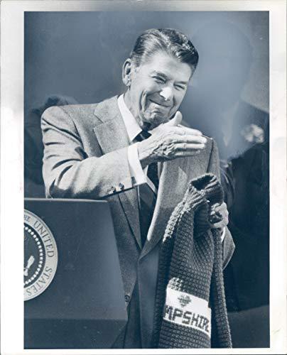 Vintage Photos 1985 Press Photo President Ronald Reagan Speech Jim Davis Boston Herald MA 8X10 (Ronald Reagan Best Speech)