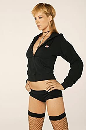Jenna Elfman Sexy Modeling 8 Inch By 10 Inch Photograph Tl