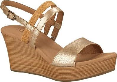 UGG Women s Lira Gold Washed Leather Sandal 10 B