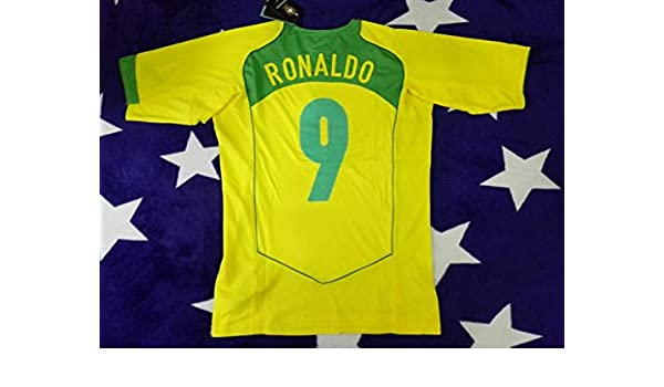 1923cb536 Amazon.com   Retro Ronaldo 9 Brazil Home Soccer Jersey 2004-2005   Sports    Outdoors
