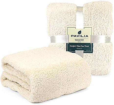 Amazon Com Pavilia Plush Sherpa Throw Blanket For Couch Sofa Fluffy Microfiber Fleece Throw Soft Fuzzy Cozy Shaggy Lightweight Solid Ivory Cream Blanket 50 X 60 Inches Home Kitchen