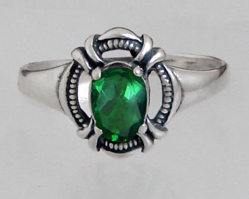 An Elegant Victorian Sterling Silver Ring Featuring a Genuine Faceted Green Quartz Made in America
