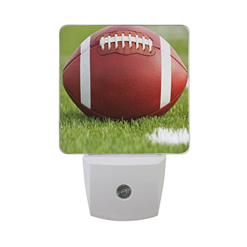 Green Grass Light Field (ALAZA American Football Field Green Grass LED Night Light Dusk to Dawn Sensor Plug in Night Home Decor Desk Lamp for Adult)