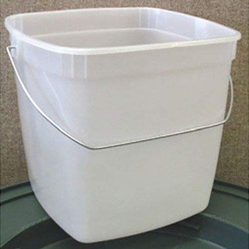 Image of Buckets Impact 5506 Translucent Polypropylene Utility Pail with Metal Handle, 6 qt Capacity, 7-1/2' Height x 9' Width x 7' Depth (Case of 48)