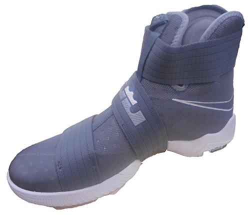 Nike Men's Lebron Soldier 10 Basketball Shoes