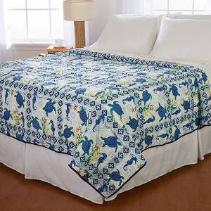 Ashley Cooper Sea Turtles Print Quilt in Twin Size