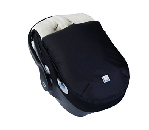 Kutnik UNIVERSAL CAR SEAT FOOTMUFF/SLEEPING BAG with polar fleece (BLACK with CREAM)