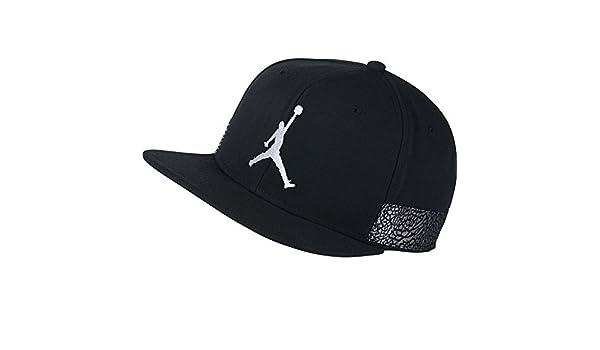 457a04e3209 NIKE Mens Jordan Jumpman Pro AJ23 Hat Black White 942188-010  Amazon.ca   Sports   Outdoors