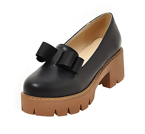 Allhqfashion Dames Pu Solide Pull-on Ronde-teen Kitten-hakken Pumps-schoenen Zwart