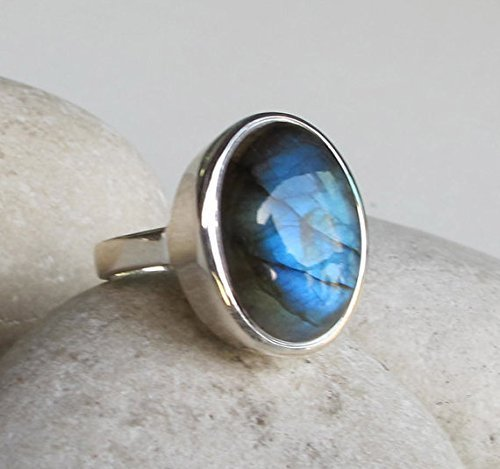 Labradorite Statement Ring- Silver Oval Labradorite Ring- Smooth Labradorite Ring- Bold Mystical Gemstone Ring- Large Bohemian Ring